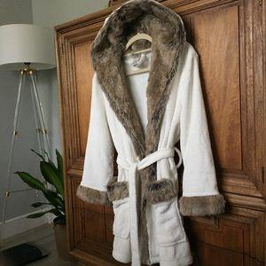Pottery Barn Teen Faux-Fur Hooded Robe Cream Brown